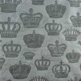 Coroas Prata no Fundo Branco em Relevo (948)